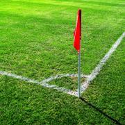 Symbolbild: Fußball-Eckfahne