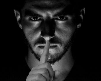 Secret Shut Up Shh Whisper  - Tumisu / Pixabay